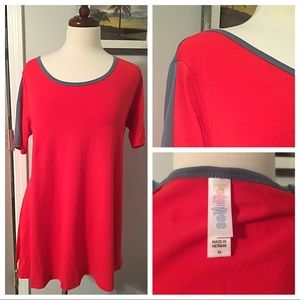 NWOT LuLaRoe Perfect T a must have shirt
